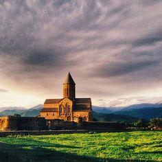 Alaverdi #georgia #sakartvelo #kakheti #mountains #nature #view #landscape #church #sky #clouds #green #sunny #sunset #travel #trip #vsco #vscocam #vsco_hub #vsco_wow #vscogreat #vscoshout #vscolovers #vscogeorgia #may #spring