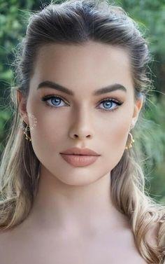 Stunning Brunette, Gorgeous Blonde, Most Beautiful Eyes, Stunning Eyes, Girl Face, Woman Face, Belle Silhouette, Beautiful Women Pictures, Brunette Beauty