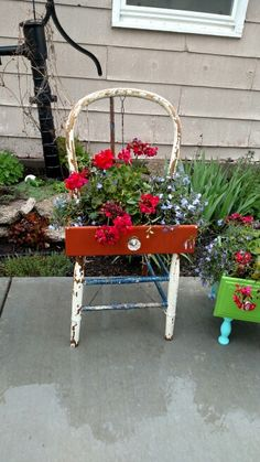 Chair planter, Drawer planter, planter boxes made out of drawer and old kitchen chair