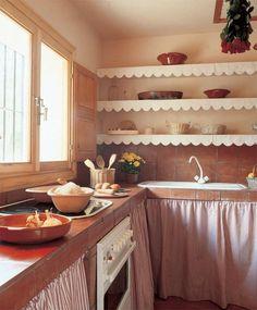 bajo mesada hecho de ladrillo rasado - Buscar con Google Barn Kitchen, Rustic Kitchen, Vintage Kitchen, Kitchen Dining, Diy Kitchen Projects, Diy Kitchen Decor, Diy Kitchen Cabinets, Home Decor, Unfitted Kitchen