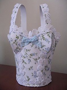 http://creationsjosy.over-blog.com/article-tuto-du-sac-corset-103815666.html#. Template & Tutorial