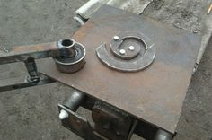 Metal Bending Tools, Metal Working Tools, Front Gate Design, Blacksmith Tools, Front Gates, Homemade Tools, Blacksmithing, Steel, Cool Stuff