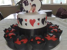 Black and red for Betty Boop cake