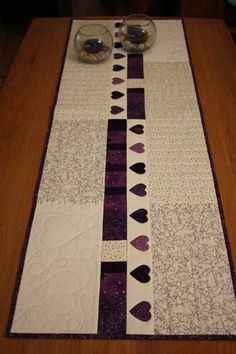 Not a big fan of the hearts, but those could be changed to a different motif. Like the simplicity of the piecing Patchwork Table Runner, Table Runner And Placemats, Table Runner Pattern, Quilted Table Runners, Fall Placemats, Burlap Table Runners, Small Quilts, Mini Quilts, Quilting Projects