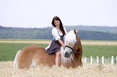 Fotoshooting mit Haflingerstute Gracia & Sandra auf der GR-Ranch in Unterrohrbach, Österreich Portrait, Ranch, Photography, Animals, Photoshoot, Guest Ranch, Animales, Animaux, Men Portrait