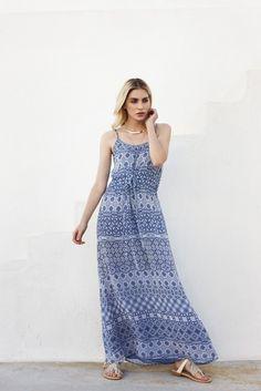 Die schönsten #Damen #Citylooks für den #Sommer2016. #Sommermode #Santorini #Womenswear #Reischmann #maxikleid #dress #summer