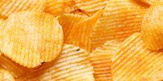 Γιατί κανείς δε μπορεί να φάει μόνο ένα πατατάκι; Κι όμως, υπάρχει εξήγηση! Snack Recipes, Snacks, Chips, Good Food, Snack Mix Recipes, Appetizer Recipes, Appetizers, Potato Chip, Clean Eating Foods