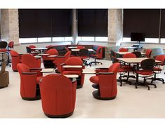 Cedar Hall Collaboration Cafe at University of Indiana has soft seating, group tables, and booths.