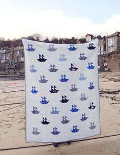 MessyJesse: Naturally Nautical Quilt Finish!