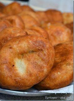 Πιροσκί Greek Desserts, Greek Recipes, My Recipes, Snack Recipes, Dessert Recipes, Cooking Recipes, Favorite Recipes, Low Fat Snacks, Easy Snacks