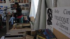 """Durante las fiestas de ISIDRO LABRADOR en Madrid, la """"LIBRERÍA EL TROTAJUEVES"""" estuvo colaborando con la CASETA DE LA MESA DE CULTURA de la Junta de Distrito de Carabanchel. no solo donando libros de seguna mano para hacerselos llegar gratuitamente a los vecinos de Madrid, sino siendo parte activa de la Mesa y organizando el evento """"POESÍA A ESTE LADO DEL RÍO"""" que se desarrolló el 14 de mayo."""