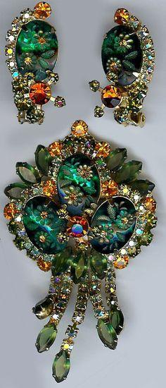 JULIANA WOW CARVED GREEN GLASS FLOWERS ORANGE DANGLE RHINESTONE PIN & EARRINGS  (to die for!)