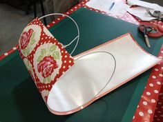 How to make a fabric drum lampshade - From Britain with Love lampshades diy How to make a fabric drum lampshade - From Britain with Love Cover Lampshade, Make A Lampshade, Fabric Lampshade, Lampshade Ideas, Handmade Lampshades, Lamp Makeover, Diy Chandelier, Diy Home Crafts, Etsy Crafts