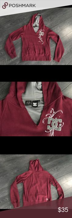 ❤️DC v-neck hoodie❤️ Worn only a couple time, looks brand new, super soft cotton DC Tops Sweatshirts & Hoodies