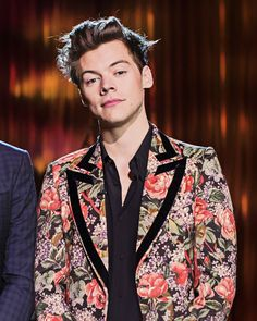 """Harry styles- the """" i own your ass """" face Rebecca Ferguson, Nicole Scherzinger, Liam Payne, Louis Tomlinson, Holmes Chapel, Harry Styles Pictures, Harry Styles Wallpaper, Mr Style, One Direction Harry"""