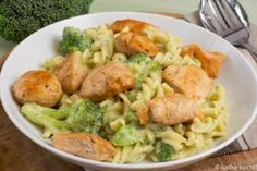 Creamy pasta with broccoli and chicken - katha-kocht! Whole Grain Cereals, Creamy Pasta, Dried Beans, Food Cravings, Eating Plans, Eating Habits, Broccoli, Meal Planning, Food And Drink