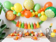 Are you a citrus lover? If not, this party might make you become one ; A citrus theme is perfect for spring and summer. The vibrant colors will instantly make you happy and fruit- especially citr… Party Kulissen, Fruit Party, Party Ideas, Orange Party, Winter Party Themes, Orange Balloons, Lemon Party, Fruit Birthday, Fiesta Decorations