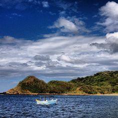 early morning tuna trawling - Morgan's Rock - Pacific Coast, Nicaragua - photo by Daniel Noll (uncornered_market on Instagram)