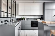 15 Extraordinary Minimalist Kitchen Cabinet Design Ideas For A Comfortable Kitchen - Scandinavian Kitchen Cabinets, Minimalist Kitchen Cabinets, Modern Kitchen Cabinets, Kitchen Cabinet Colors, Kitchen Interior, Kitchen Decor, Farmhouse Cabinets, Kitchen Industrial, Gray Cabinets