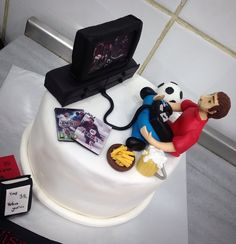 #playstation #fifa #pes #football #beer #fried #man #birthday #cake