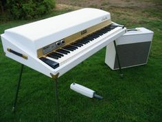 The most ridiculously pimp mod of a Fender Rhodes ever!