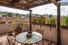 The Casita had access to the roof top garden and is shared with the othr casitas.