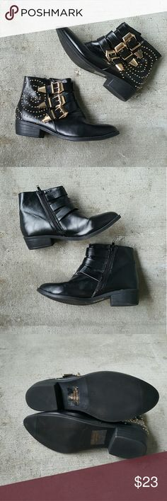 Black studded buckle booties Black booties with hold studs. Gold buckles, strappy look! Small heel. Zipper on inner side. Very good condition, like new! From Papaya, size 6.5. Perfect ankle boot! Papaya Shoes Ankle Boots & Booties