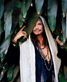 Steven Tyler by Zack Whitford Sound Of Music, Music Love, Rock Music, Liv Tyler 90s, Steven Tyler Aerosmith, Joe Perry, We Will Rock You, Rock Legends, Christina Aguilera