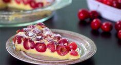 Pour changer un peu du classique clafoutis nous vous présentons la recette du far aux cerises, un dessert délicieux que nous essayerons d'alléger Ww Desserts, Delicious Desserts, Dessert Light, New Recipes, Waffles, Raspberry, Cheesecake, Cooking, Breakfast