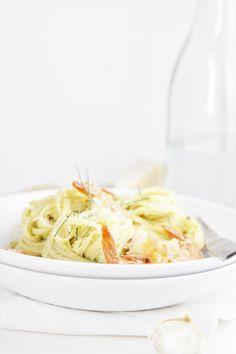 creamy avocado and shrimp pasta