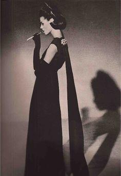 8e5bd9fef394 Oleg Cassini Vogue Vintage Models