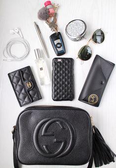 Was ist in meiner Tasche – Gucci Soho Disco - My Bag Ideas Gucci Disco Bag, Soho Disco Bag, Gucci Soho Bag, Gucci Soho Disco, Inside My Bag, What's In My Purse, My Style Bags, Purse Essentials, Make Up Videos