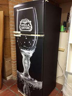 Envelopamento de geladeira com imagem Stella Artois - LLX Visual (11) 2626-3859