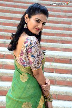 Beautiful Bollywood Actress, Most Beautiful Indian Actress, Baby Girl Images, Indian Beauty Saree, Indian Sarees, Tamil Actress Photos, Sexy Blouse, Power Girl, Hottest Models