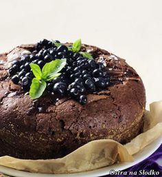 brownie , brownie czekoladowe , tort czekoladowy , ciasto z borowkami , ciasto z jagodami , czekoladowe ciasto z borowkami , ostra na slodko , sylwia ladyga , najlepsze ciasta , latwe ciasto czekoladowe