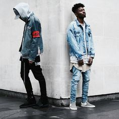 "1,086 mentions J'aime, 12 commentaires - STREET STYLE | LIFE STYLE (@blvckxstreet) sur Instagram : ""❗Bro Vibes❗ #blvckxstreet Via • @nnxmdi_ • All Credit to photographer/ owner…"""