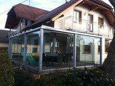 Wintergarten mit Glasschiebeelementen