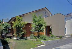 伊礼智 - Google 検索 Japanese Architecture, Facade Architecture, Exterior Design, Interior And Exterior, Arch House, Japanese House, Simple House, Entrance, House Design