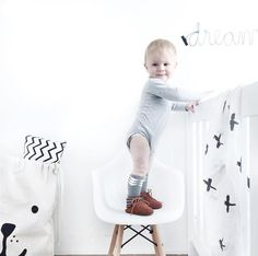 It's matter of days they start to walk. What at first it seems so complicated once they start its unstoppable! And their face of joy it's priceless 😍  #wearandlearn #sensiblekidsclothes #responsiveclothes #respectedgrowth Photo credits: @irispetri #baby #babyclothes #babystyle #babydesign #kidsclothes #kids #kidsdesing #kidstyle #comfy #design #fashiondesign #childhood #family #growth #little #littlewild #clothes #laliwhite #walk #fiststeps #babysteps #discover #liveauthentic #livefolk…
