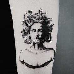 New art tatoo: Dope Tattoos, Mini Tattoos, Tattoos 3d, Unique Tattoos, Body Art Tattoos, Small Tattoos, Tatoos, Medusa Tattoo Design, Tattoo Designs