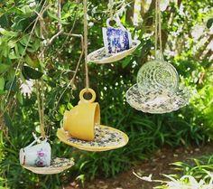 Garden Crafts, Garden Projects, Diy Projects, Art Crafts, Teacup Crafts, Diy Bird Feeder, Garden Bird Feeders, Teacup Bird Feeders, Unique Bird Feeders