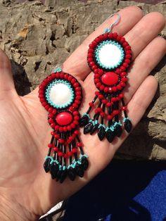 Un preferito personale dal mio negozio Etsy https://www.etsy.com/it/listing/237679076/orecchini-ad-embroidery-con-madreperla