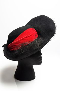 Fedora-style hat with red velvet bow, 1930s, Merrimac Hat Corporation. Charleston Museum