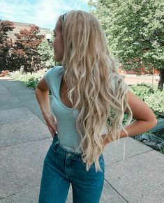 49 celebrity hairstyles for long hair that we can& stop staring at Isabelle . - 49 celebrity hairstyles for long hair that we can& stop staring at Isabelle … - Summer Hairstyles, Easy Hairstyles, Hairstyle Ideas, Kinky Hairstyles, Blonde Hairstyles, Holiday Hairstyles, Hairstyles Haircuts, Pretty Hairstyles, Wavy Hair