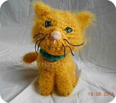 Crochet fuzzy cat by Hand to Hand Tigre - Tejidos