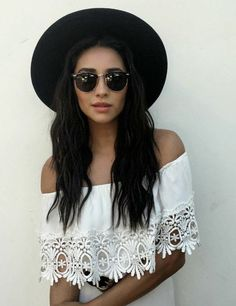 ╰☆╮Boho chic bohemian boho style hippy hippie chic bohème vibe gypsy fashion indie folk the . ╰☆╮ i lovee shay mitchell Fashion Week, Look Fashion, Runway Fashion, Fashion Tips, Gypsy Fashion, Fashion Spring, Fashion Eyewear, Fashion Styles, Fashion Dolls