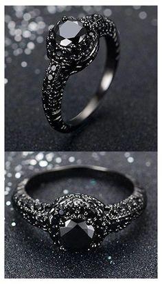 Wedding Rings Simple, Wedding Rings Vintage, Unique Rings, Vintage Rings, Beautiful Rings, Wedding Jewelry, Wedding Bands, Gothic Wedding Rings, Skull Wedding Ring