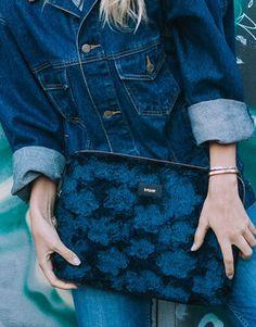 funda-portátil-pelo-azul-4 Collection, Fashion, Electric Blue, Blue Nails, Notebook Covers, Plushies, Moda, Fashion Styles, Fashion Illustrations