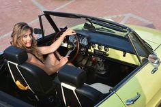 Alfa Romeo, coches y... chicas.