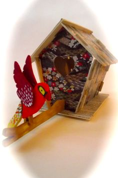 http://www.alittlemarket.it/accessori-casa/it_casetta_in_legno_con_animali_pappagallo_-14180383.html